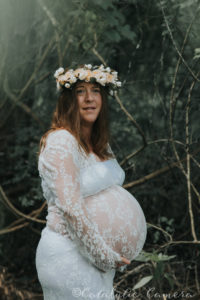 Tallahassee maternity photographers Mom outside with crown