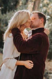 Maclay Gardens Family photographer couple kissing Catalytic Camera